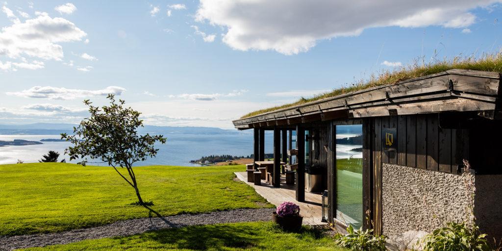 Øyna - kortreist mat med panoramautsikt. Foto: Svein-Erik Knoff
