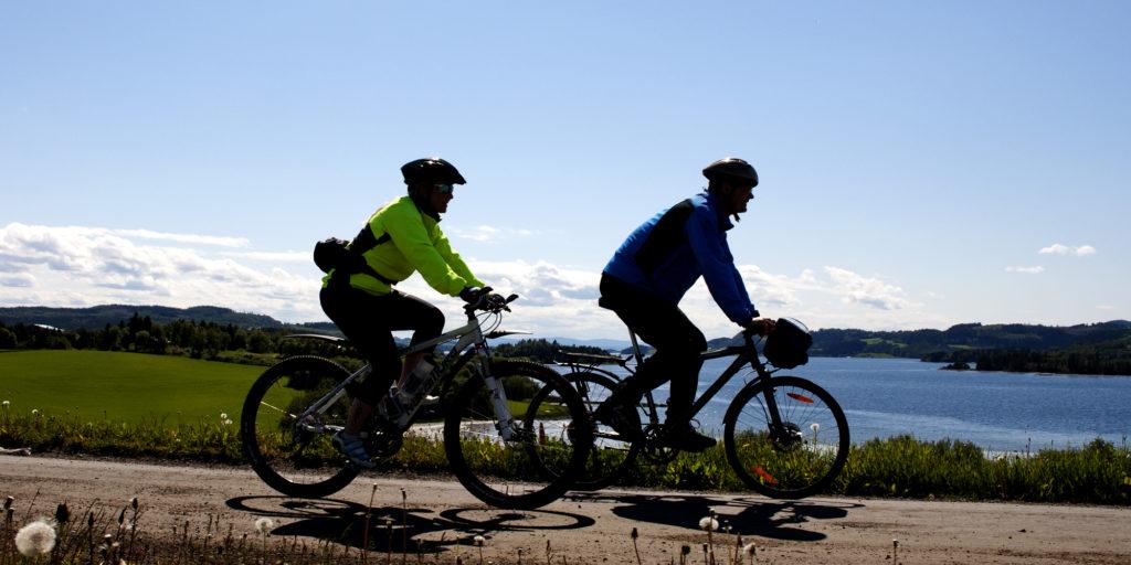 På sykkeltur forbi Røli