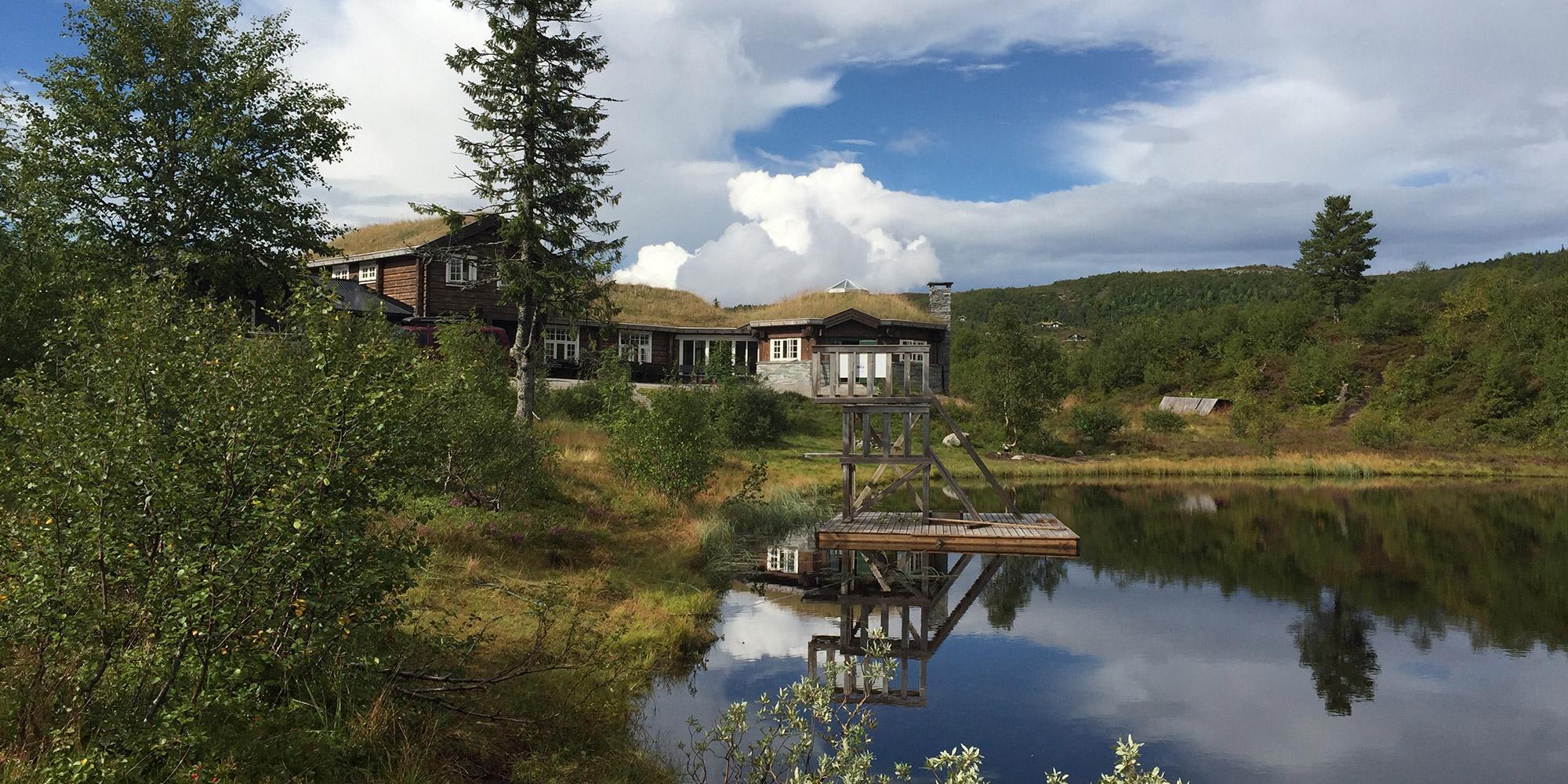 Ismenningen Lodge og Hytteutleie - vakker beliggenhet ved innfallsporten til Blåfjella/Skjækerfjella Nasjonalpark og perfekt for møter, samlinger eller bare leie hele hytten for kos og hygge